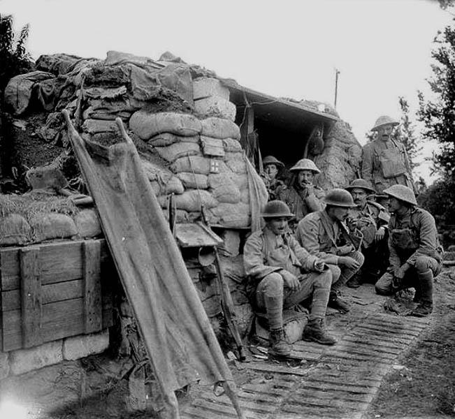27-Tropas do CEP nas trincheiras perto de Neuve Chapelle, em 25 de junho de 1917